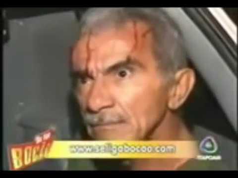 Bêbado - Não sei. Bêbado capota o carro, repórter pergunta o nome dele, se estava bêbado e ele só responde