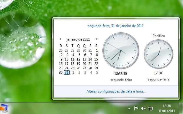 Nome ao lado do relógio. No seu windows XP você pode criar uma personalização de frase ao lado do seu relógio, frases como